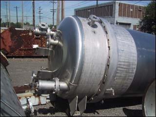 825 SF DURCO ENZINGER VERTICAL LEAFPRESSURE FILTER