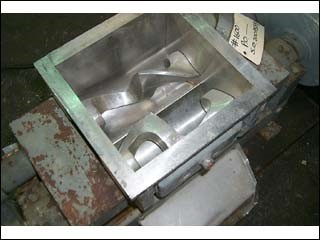2.6 GAL WINKWORTH DOUBLE ARM MIXER, S/S, JKT., VAC.