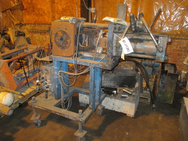 "6"" BERLYN HYDRAULIC SCREEN CHANGER"