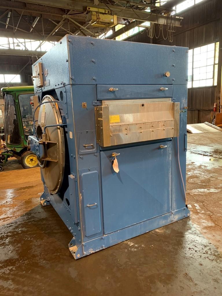 Milnor Industrial Washing Machine, Model 42026QHP