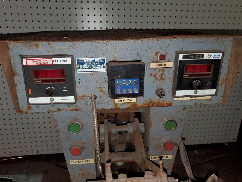 Speedy Die Pacesetter Dual Platen Press