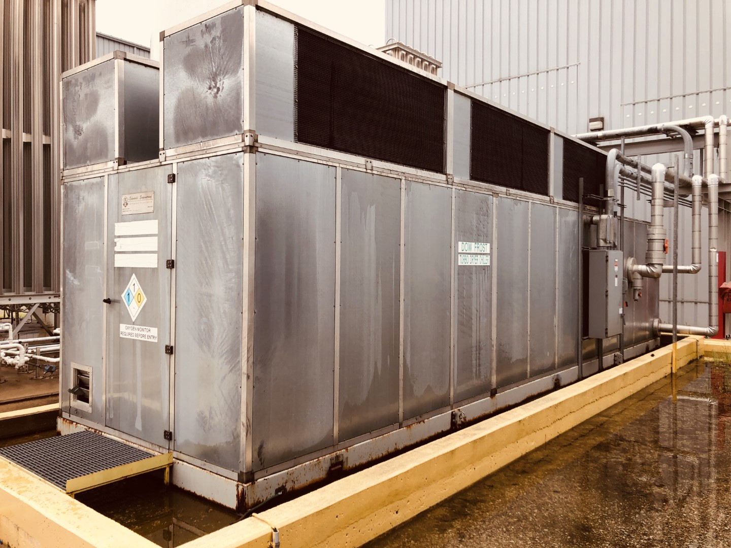 195 Ton Edwards Chiller, Model CE-210-A- 14ZB3, Air Cooled