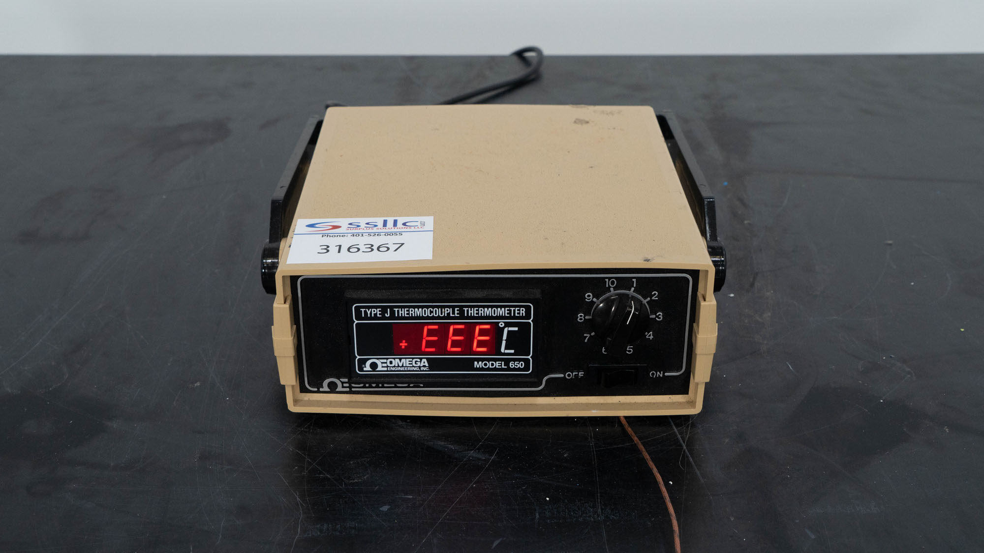 Omega Thermocouple Thermometer, Model 650JFXDSS