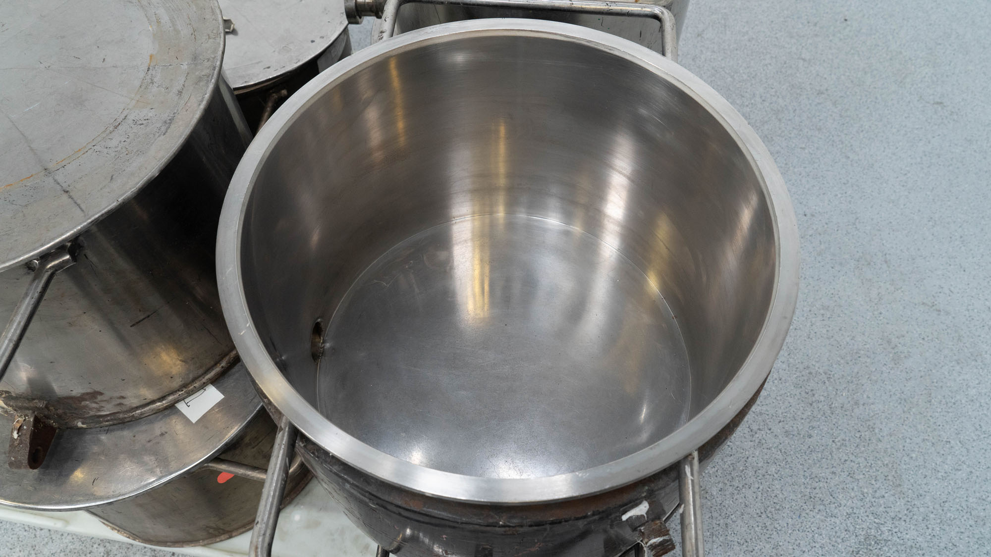"""18.5"""" Stainless Steel Mixing Cans, (7)"""