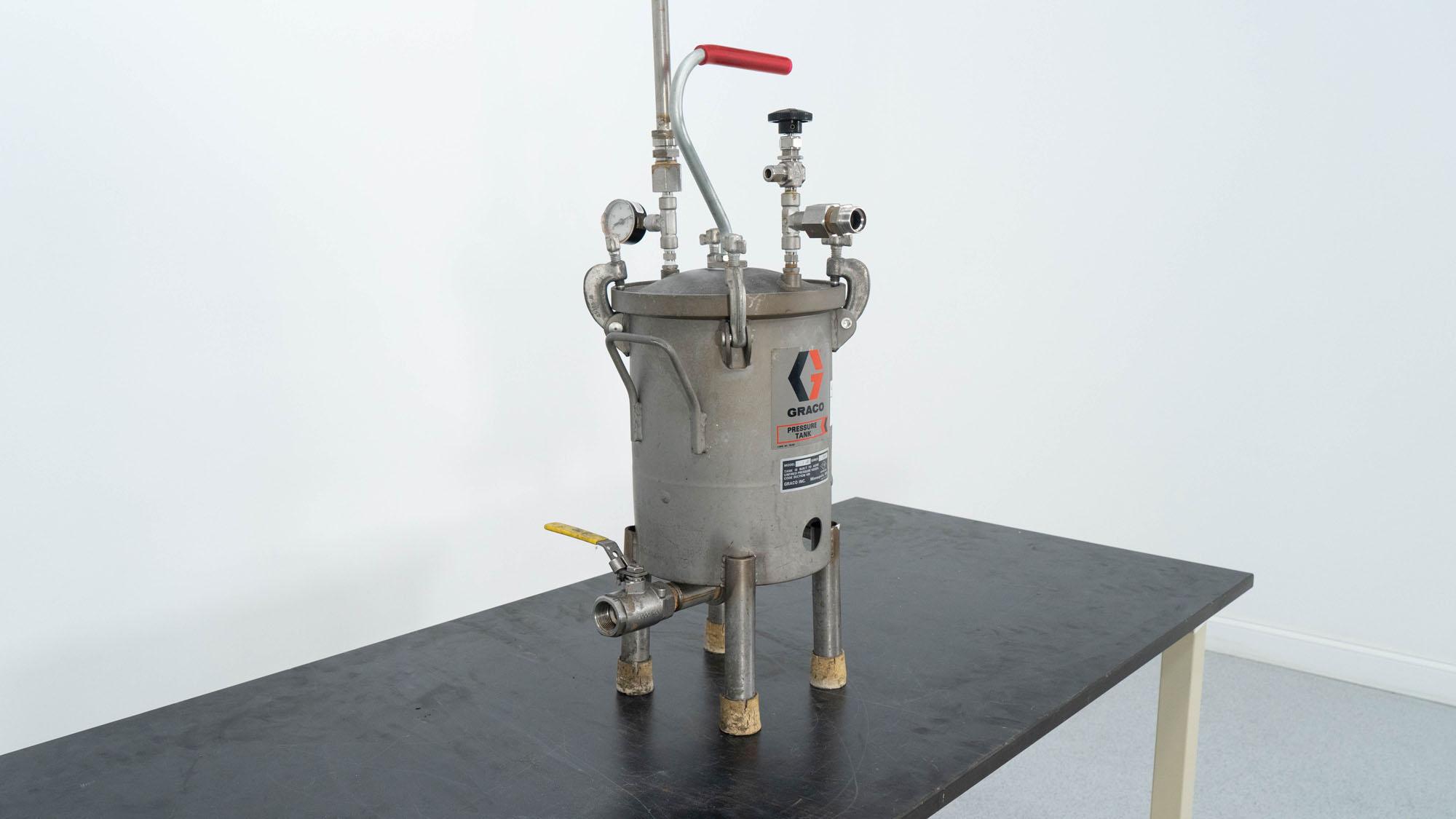 Graco Pressure Tank