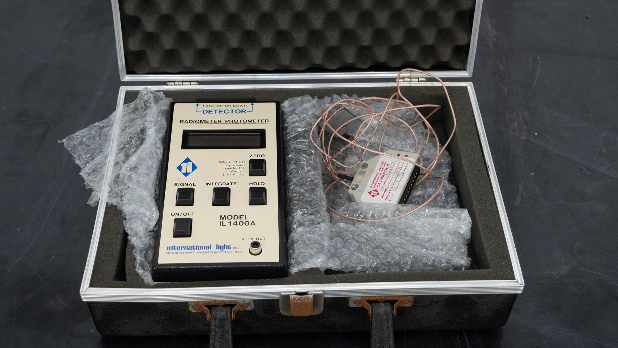 International Ligith Radiometer/photometer, model IL1400A