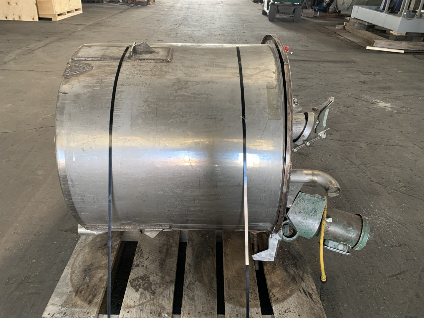 175 Gal Stainless Steel Mix Tank, 1.17 HP