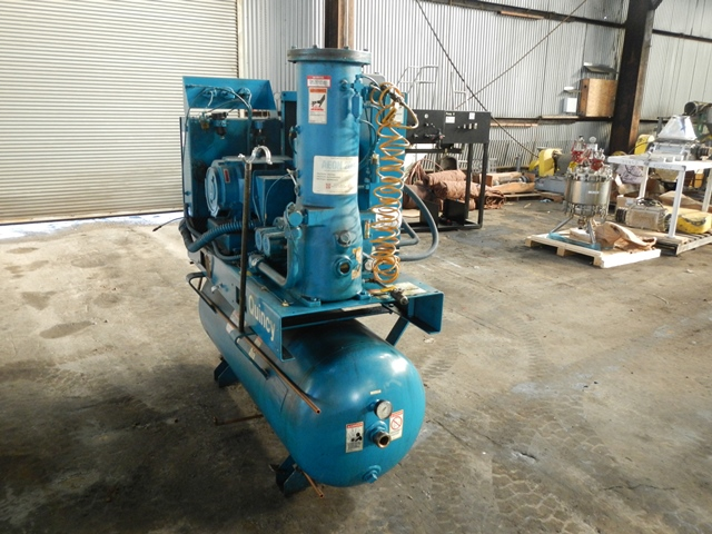 25 HP QUINCY AIR COMPRESSOR, MODEL OSI25A