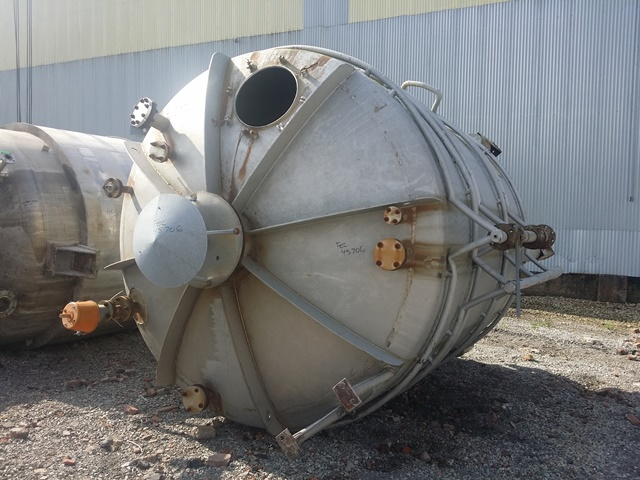 5000 GAL 304 STAINLESS STEEL JACKETED TANK