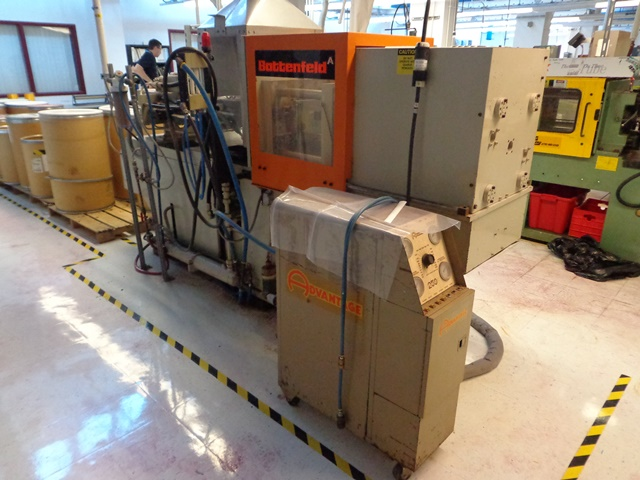 BATTENFELD INJECTION MOLDER