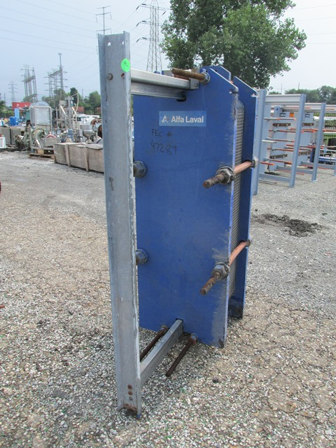 560 SQ FT ALFA LAVAL PLATE HEAT EXCHANGER, S/S, 150#