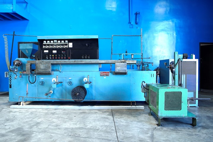 """1.25"""" STERLING DAVIS ELECTRIC WIRE COATING LINE"""
