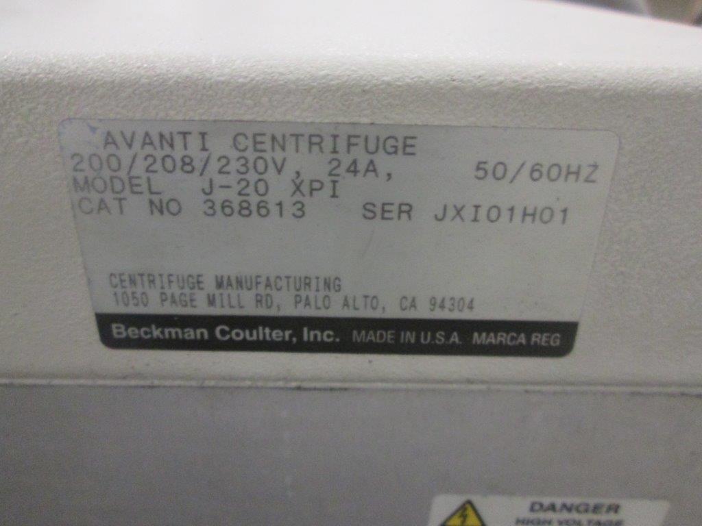 BECKMAN COULTER CENTRIFUGE, MODEL J-20 XPI