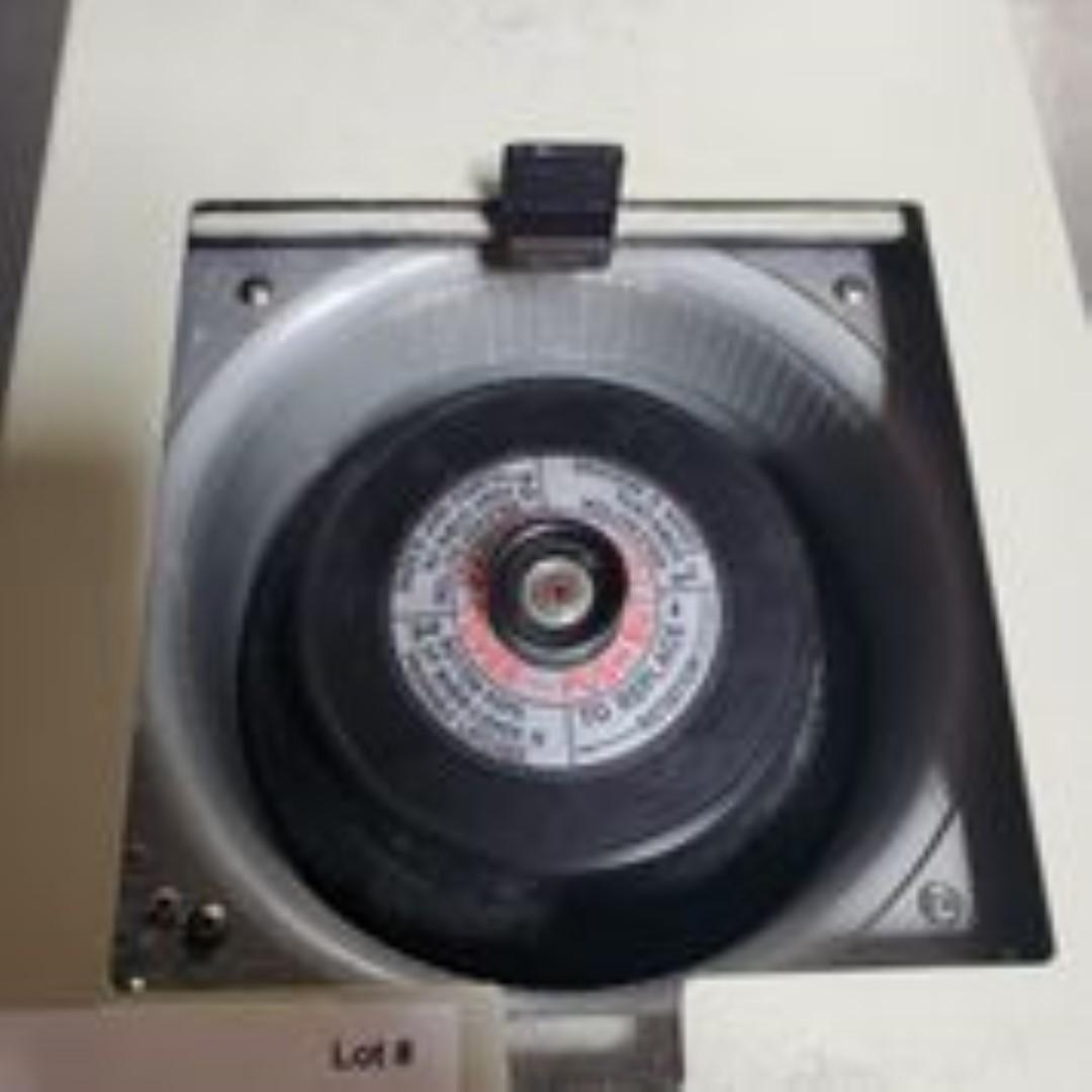 Taylor Scientific Model 1624VS-3 Centrifuge